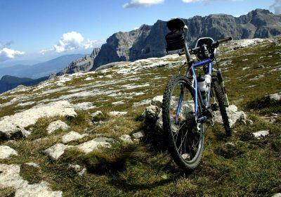 trail riding rocks